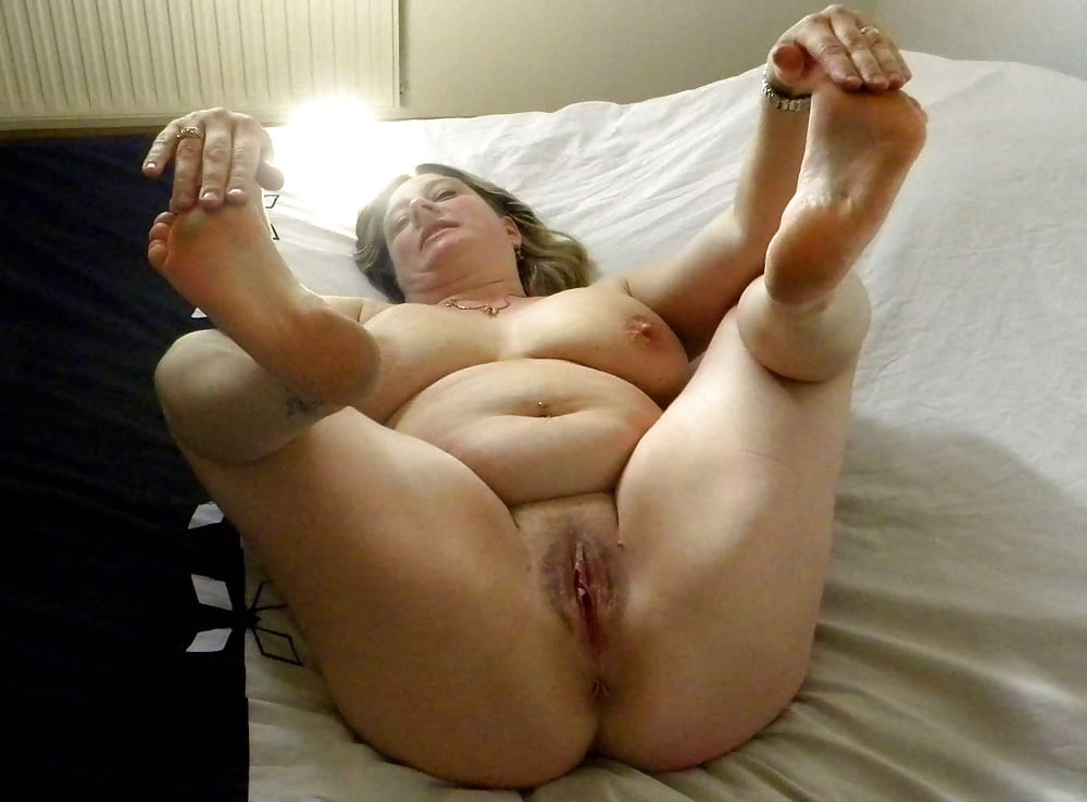 Plump mature sexy feet and legs