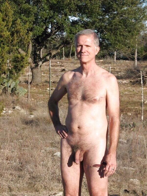 фото обнаженных зрелых мужчин фото того