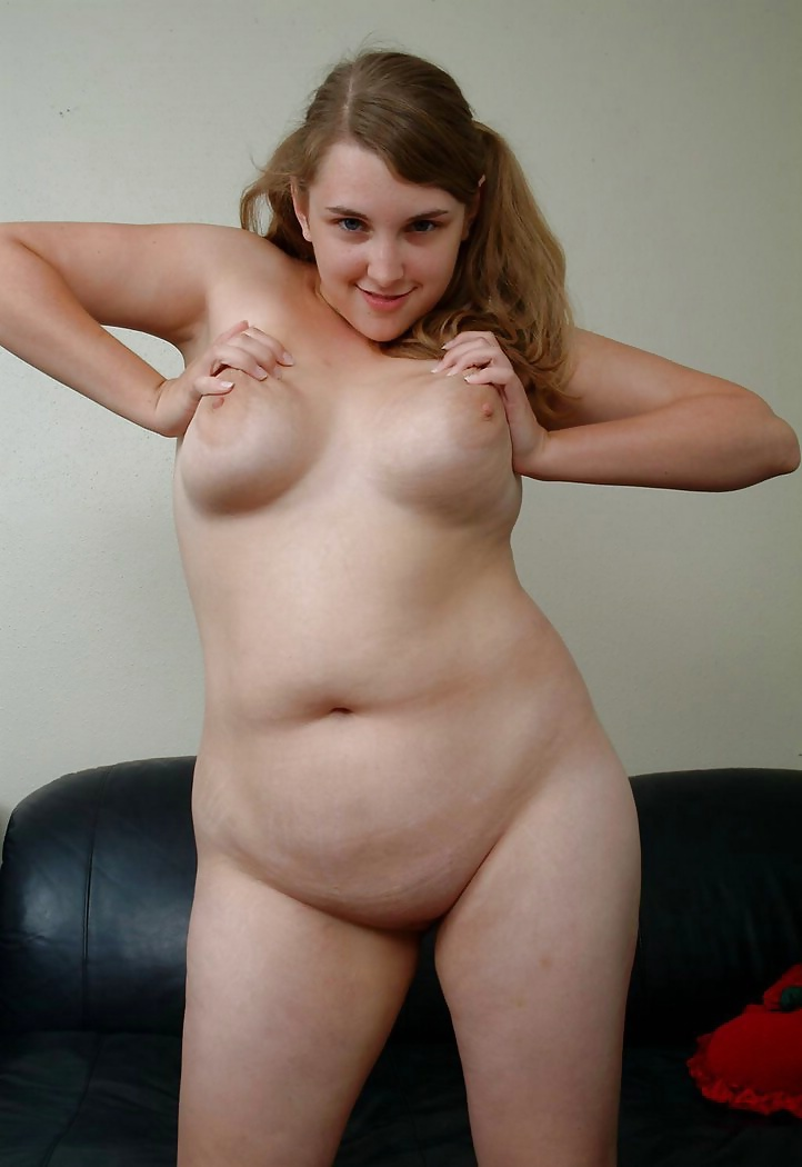 Beautiful chubby girl posing nude