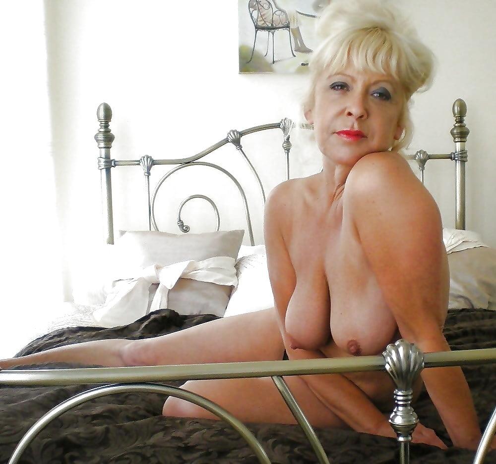 beautiful-mature-galleries-naked-masturbation-hotel-maid-amatuer-video