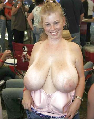 biker babes naked boobs