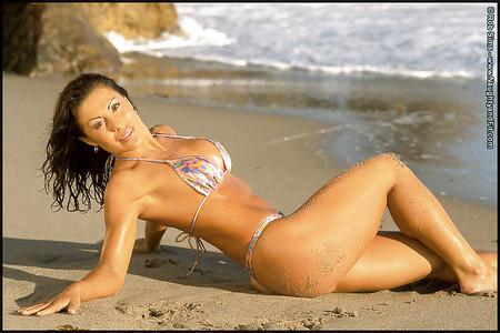 Lia Montelongo  nackt