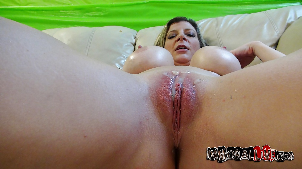 furry-video-chubby-naked-girls-squirting-wife-suck