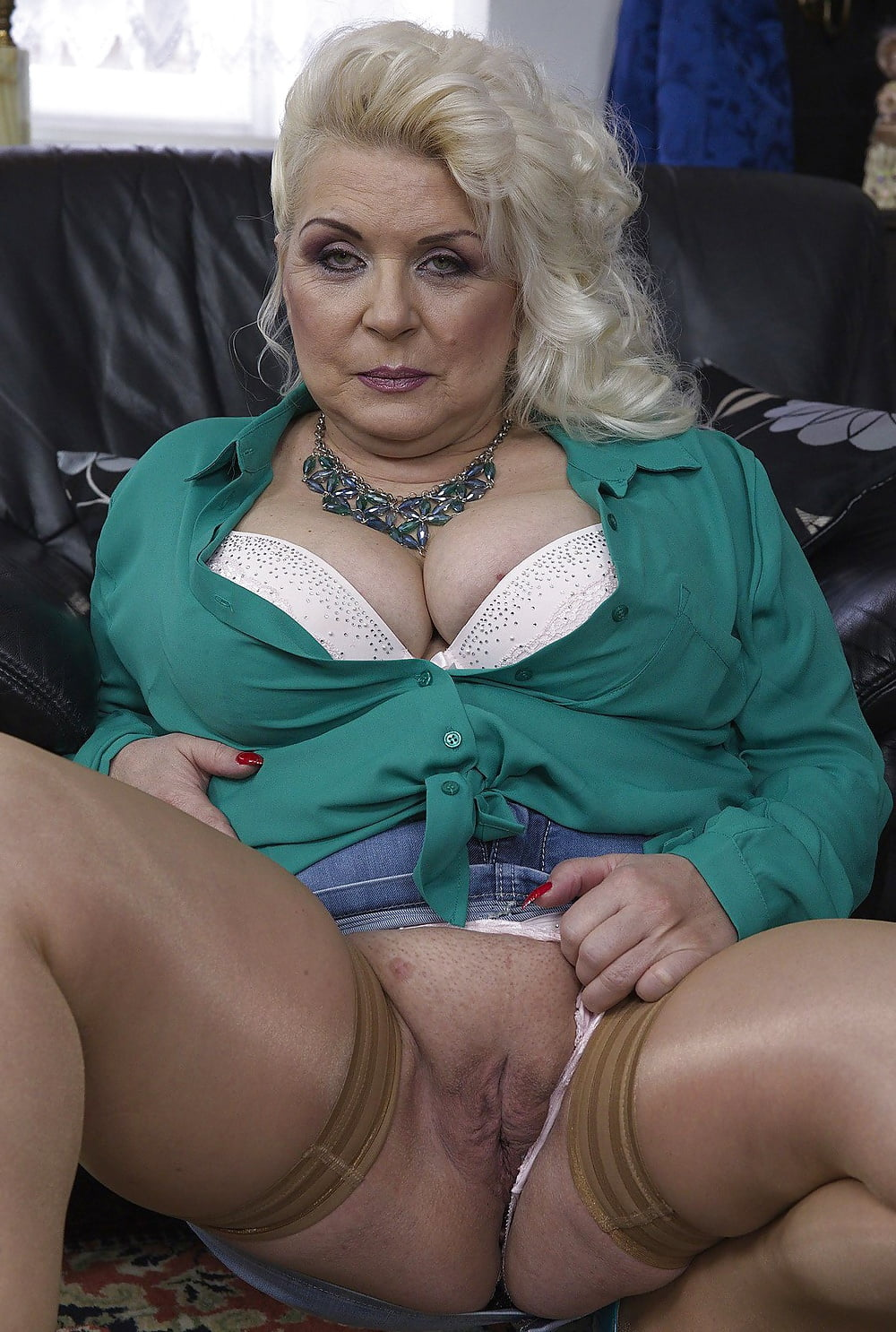 Fat womans slut grannies photo galleries dupree nude