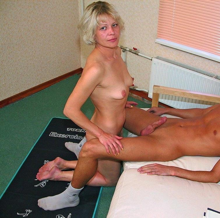 Boys bang skinny mom nude 2