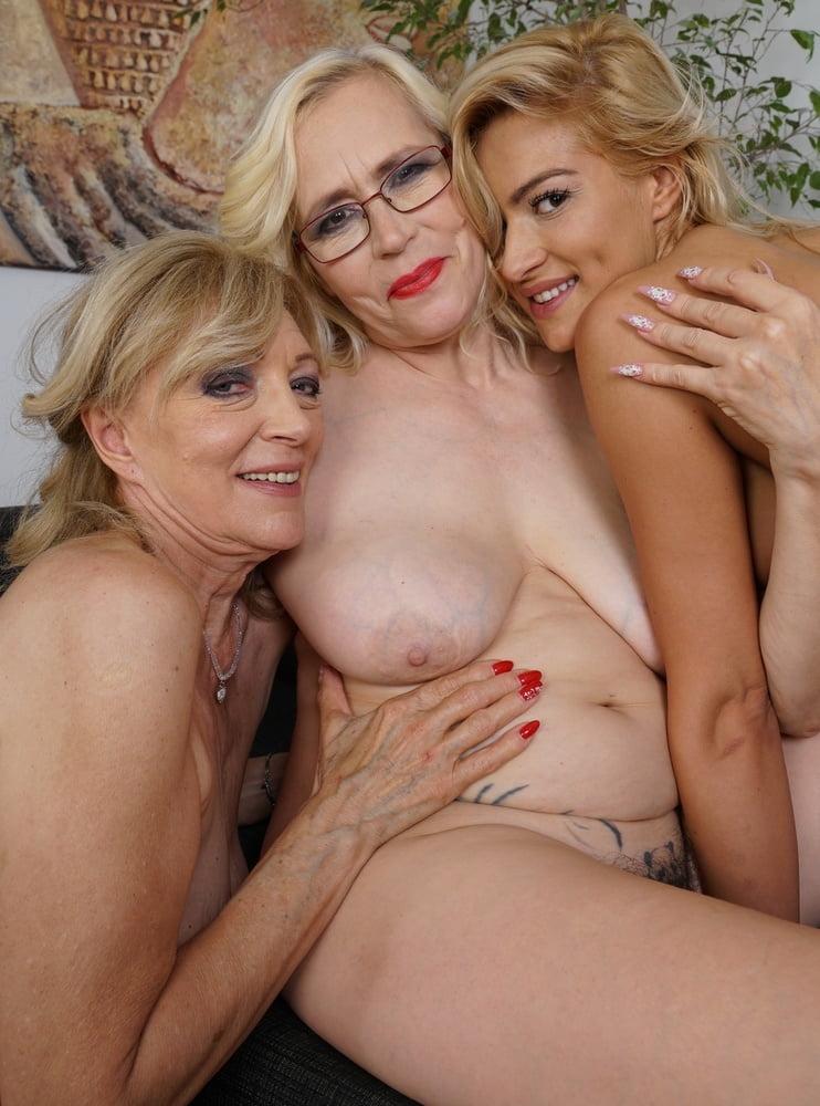 Актрисы зрелые лесбиянки, женские фантазии порно фото