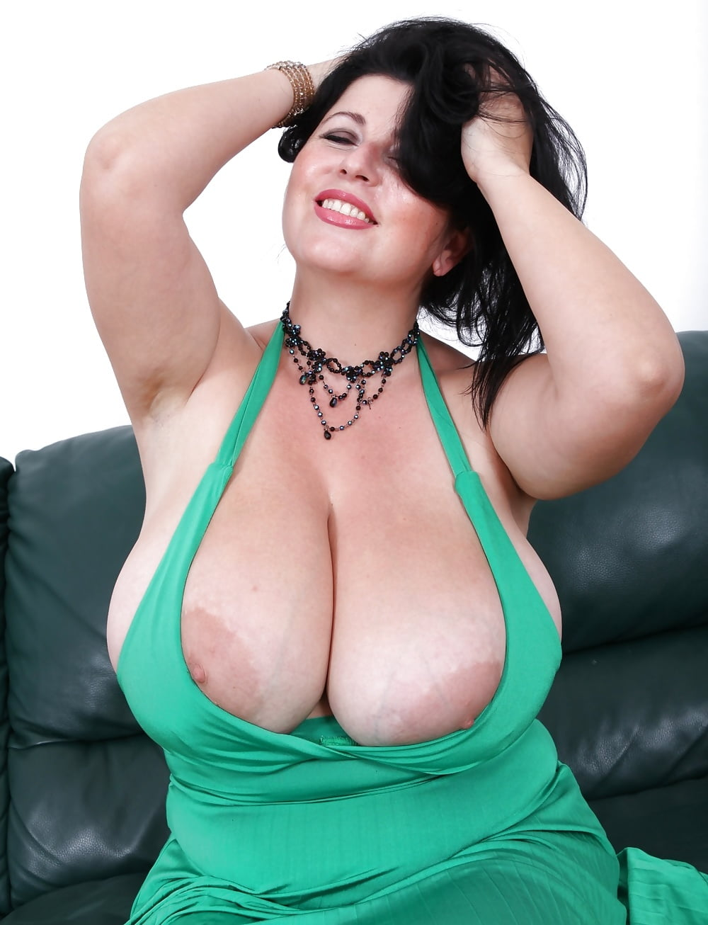 mature-xxl-tits-in-tight-tops